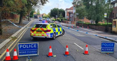 Police closed part of St Albans Road between the Dome roundabout to the junction of Sheepcot Lane.