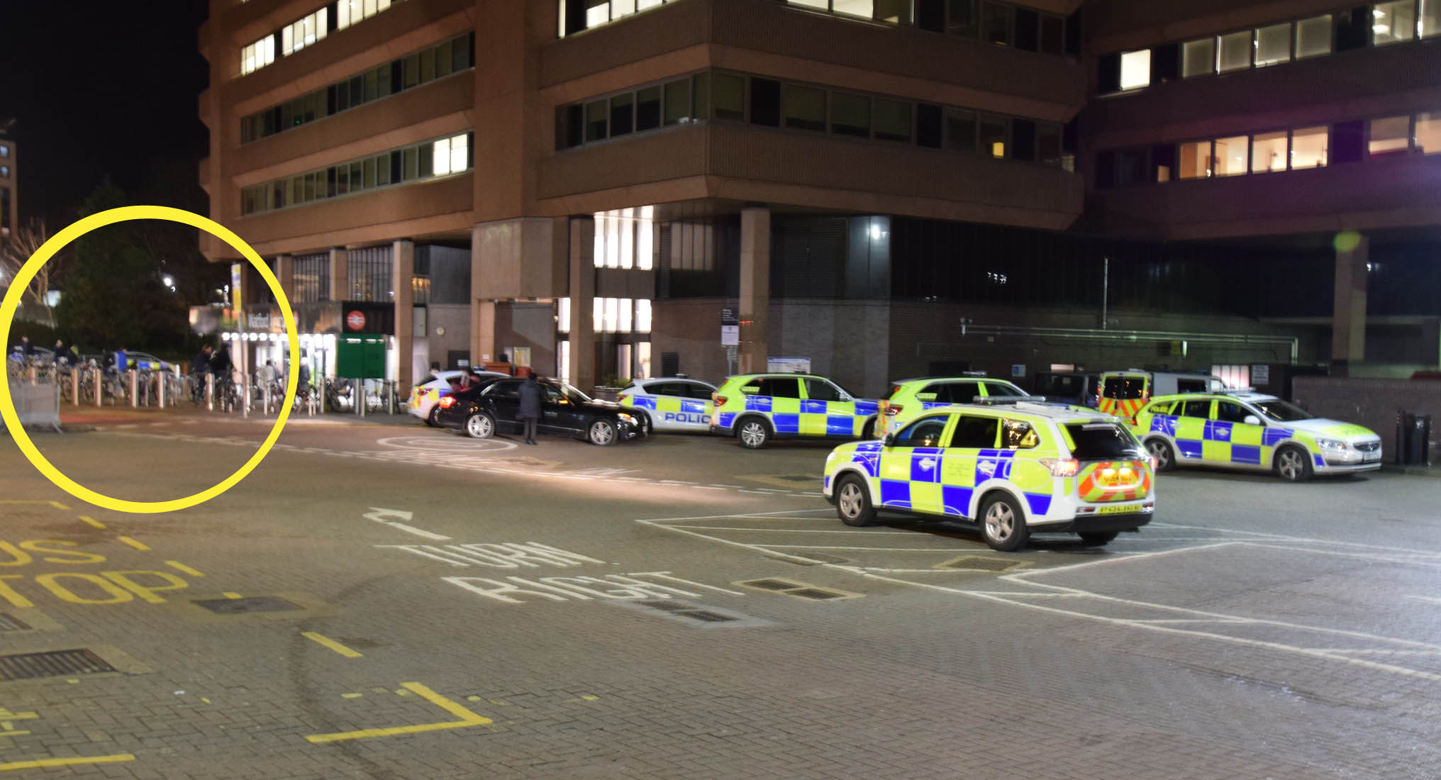 Armed Police Officers swoop Watford junction Train Station for Suspect